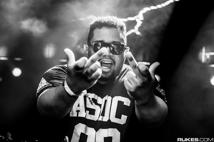 DJ Carnage, my absolute favorite DJ ever! Chipotle Gang!!