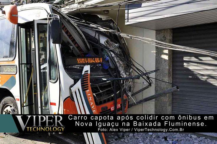 Republicação: 23 de Agosto de 2013  O motorista do ônibus identificado como Luciano, perdeu a direção do veículo após colidir com um carro de passeio. O ônibus só foi parado após bater na marquise de uma loja e num poste ...  Leia mais em: http://www.vipertechnology.com.br/?p=3030
