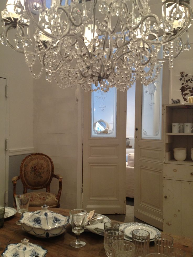 Rachel ashwell shabby chic couture ny store lily juliana chandelier www