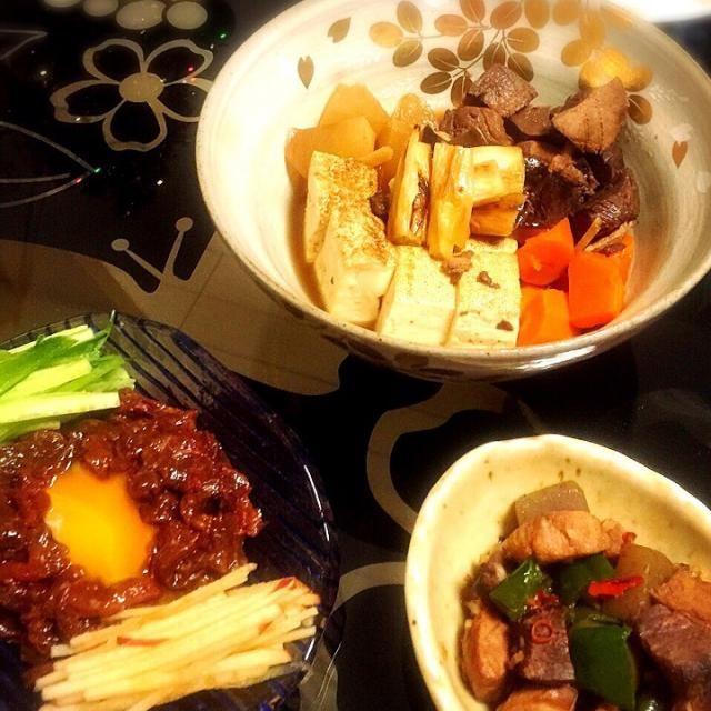 お寿司屋さん大量に鮪の血合いを頂いたので久しぶりに手料理ε-(´∀`; ) 新鮮だったので、血合いのユッケを作りましたが、食感と味共に馬刺しのようでビックリ⁈ 煮物は鮪の血合い豆腐煮に。炒め物は鮪の血合いと蒟蒻のピリ辛炒めにしました(^o^) - 7件のもぐもぐ - 鮪の血合い 三品 by nonbe0113