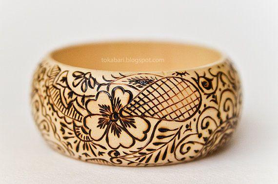 """Wooden Bracelet """"Mehendi"""" (Wood Burnt / Pyrography)"""