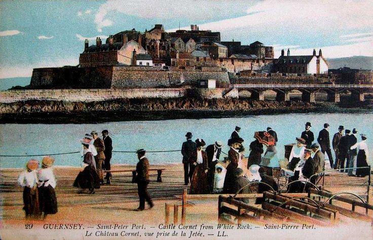 Channel Islands, Guernsey, Saint Peter Port, Castle Cornet from White Rock c1900's.jpg 1,024×661 pixels