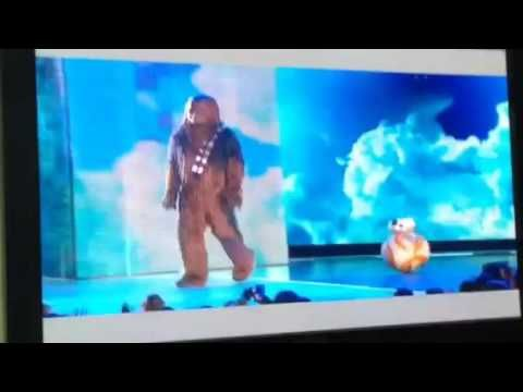 The Kids Choice Rewards 2016 the part with chewie and bb8 message