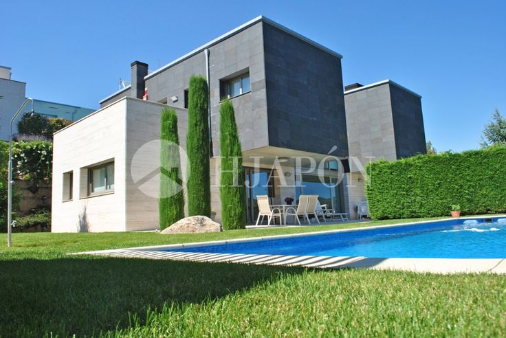 Contemporary- style house of 540m² for sale in Vallromanes, located close to a golf course