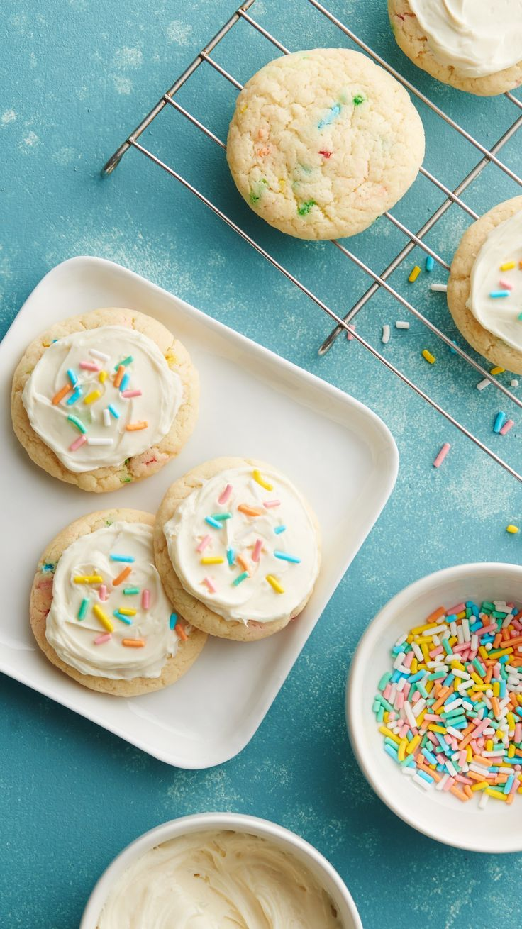 The best birthday party dessert out there, and you don't even have to bake a cake! These Funfetti Cookies are an easy hack for on favorite Pillsbury Funfetti cake mix.