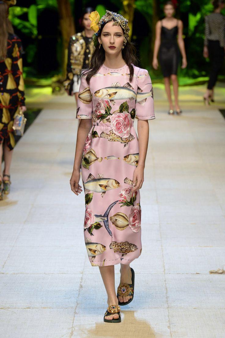 Dolce & Gabbana | Ready-to-Wear Spring 2017 | Look 18