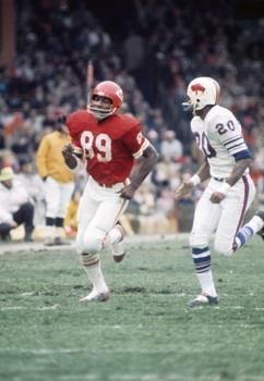 Dec 19, 1971; Kansas City Chiefs receiver Otis Taylor (89) and Buffalo Bills defensive back Robert James