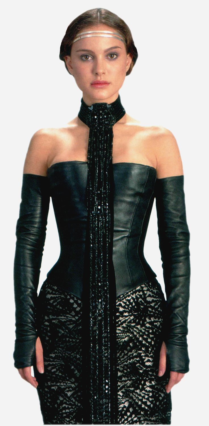 Natalie Portman - Star Wars: Episode II - Attack of the Clones (2002) (940×1912)