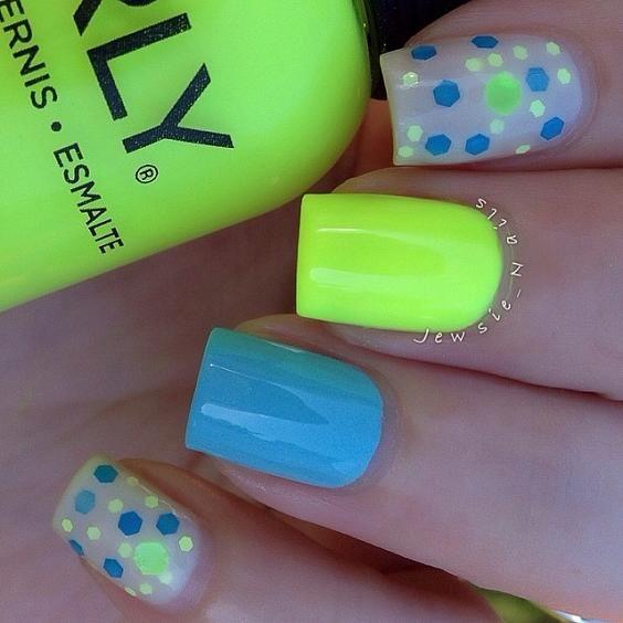Orly Glowstick ; Bsquared Rain Boots ; Liquid Glam Lacquer Pucker ; 7/11/14 ; jewsie_nails