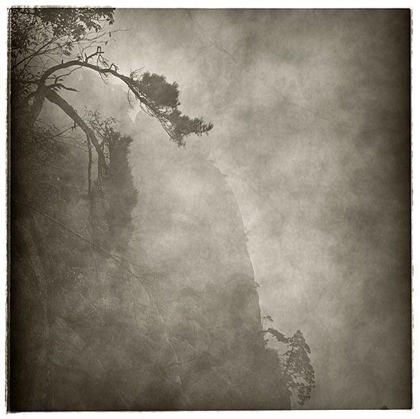 © Lu Yanpeng    Lu Yanpenges un fotógrafo chino (nacido en 1984 en la provincia de Fujian, vive y trabaja en Pekín) que realiza fotografía de larga exposición.