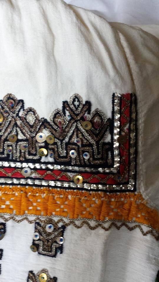 Romanian blouse - ie - detail. Vrancea. Nelu Dumitrescu collection