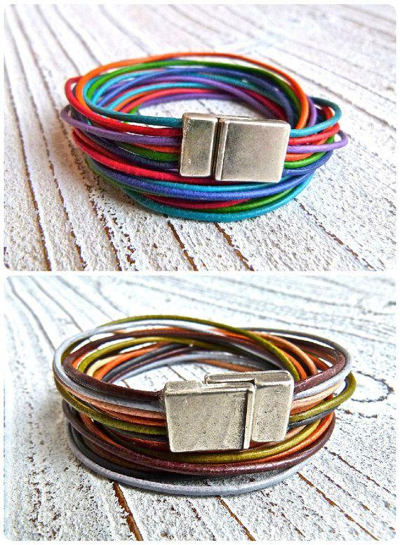 Hoi! Ik heb een geweldige listing gevonden op Etsy https://www.etsy.com/nl/listing/217799121/set-2-leather-bracelets-with-magnetic