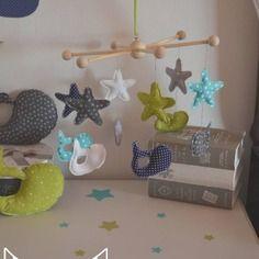 Best 9 Décoration chambre bébé baleine anis turquoise gris marine ...
