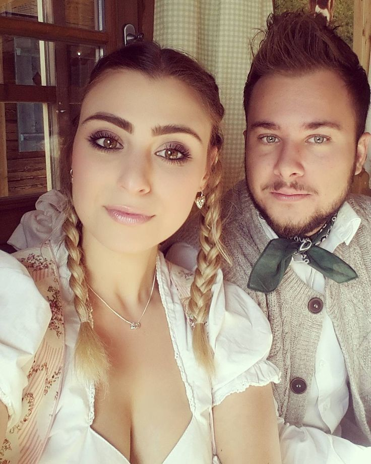 Wasen with my baby @finndesemana 💏 ❤  #wasen#stuttgart#canstatterwasen#dirndl#krügerdirndl#lederhosn#oktober#autumnishere#boyfriend#iloveyou