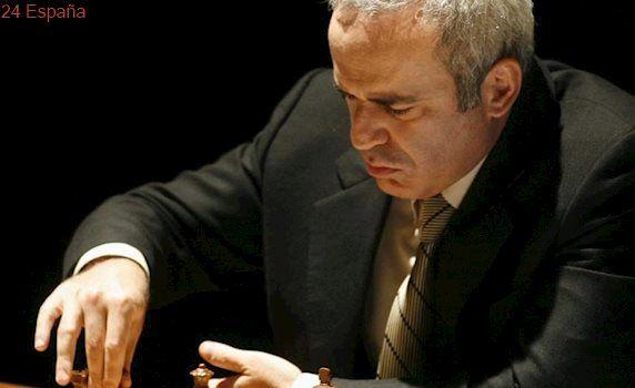 El campeón de ajedrez Garry Kasparov vuelve a los tableros para un torneo en Estados Unidos