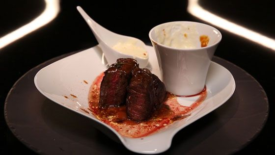 - Steak miroir- Purée de pomme de terre- Compotée de tomates cerise