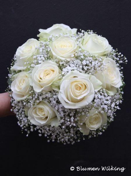 Brautstrauß in weiß mit Rosen und Schleierkraut. http://blumen-wilking.de