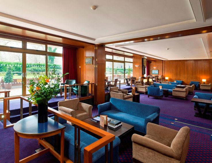 Britannia Bar & Deck: ground floor lounge ideal for canapé receptions or drinks prior to dining. Can accommodate up to 90 people standing and 60 people theatre style.