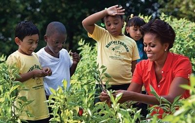 Clearly powerful women understand the power of gardening and the joy that it brings. Our #WCW goes to @michelleobama! All we can say is who really doesnt want to be Michelle when they grow up? . . . #LGC #wednesday #womancrushwednesday #woman #female #power #boss #goals #she #greatness #world #gardens #plants #nature #beauty #kids #relief #natural #leaves #green #greenthumb #gogreen #air