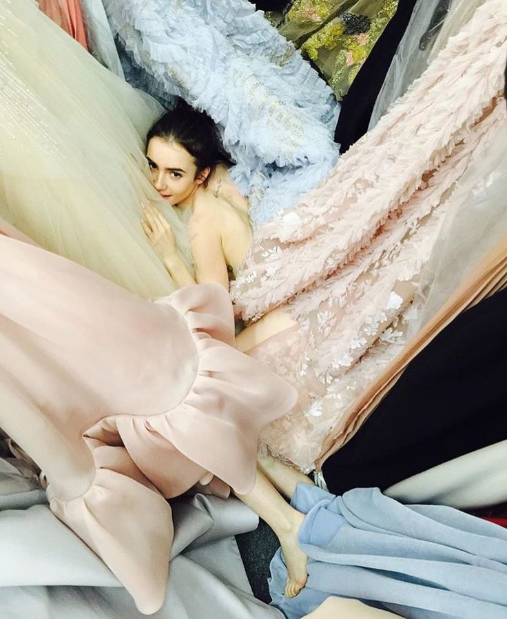 Lily Collins News : Photo