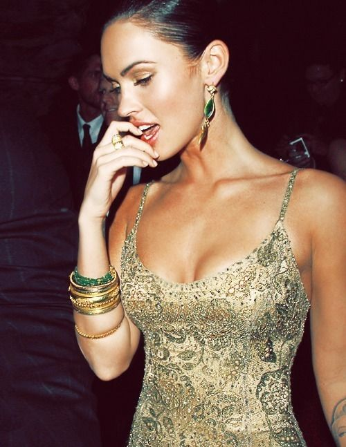 Okay so I lost ALL respect for Megan Fox after Jennifer's Body, but I love this outfit. Green and gold. :)