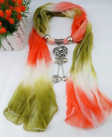 2013 Red white green color scarf Autumn Cheap Scarves with Heart Shaped Pendants