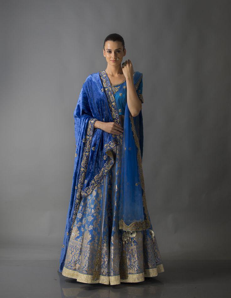#kimkhab #banarasi #zari #silk #blue #velvet #net #duppata #lengha #lehenga #bridal #bridalwear #indianwear #indian #ashagautam #gautamgupta