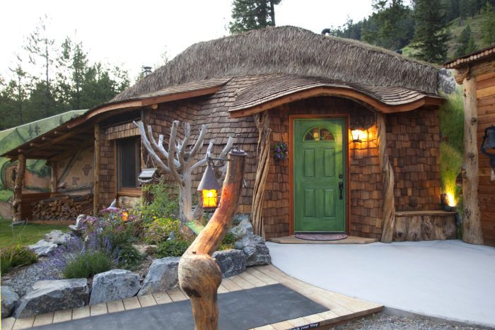 You'll+Never+Forget+Your+Stay+In+This+Enchanting+Hobbit+House+In+Montana