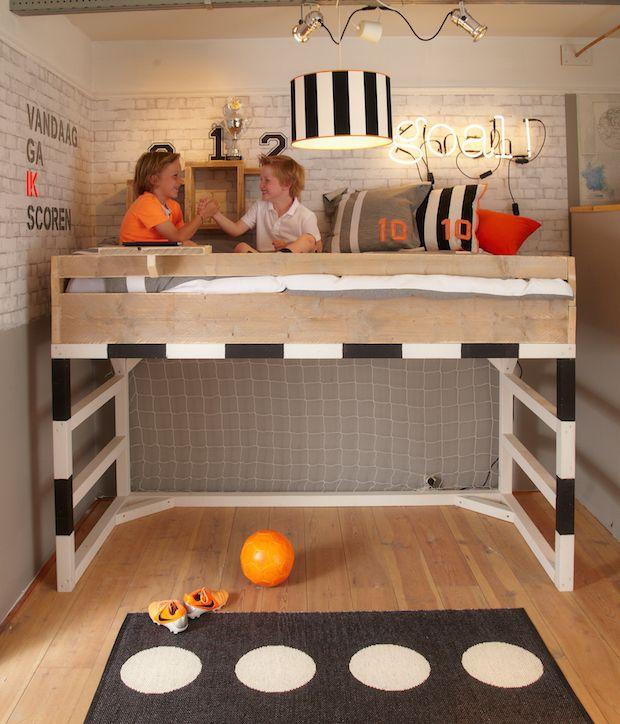 25 beste idee n over jongens voetbal kamer op pinterest voetbal themakamers jongens voetbal - Kamer van de moderne jongen ...