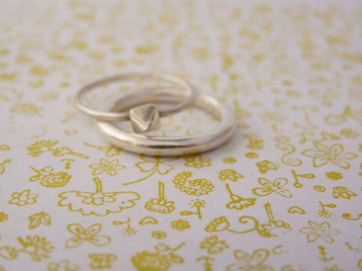 Alianza redonda, alianza de plata, alianza de oro, anillo redondo, anillo de plata, anillo de oro, anillo de matrimonio, anillo hecho a mano de AinosArt en Etsy
