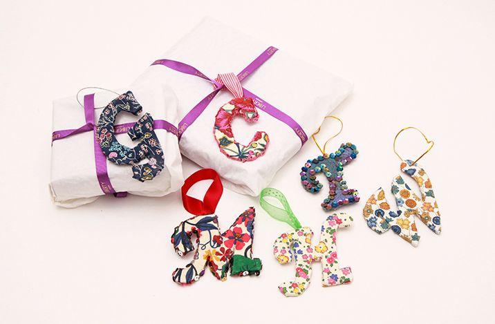 Liberty-print-gift-tags ☆•★Teresa Restegui http://www.pinterest.com/teretegui/★•☆
