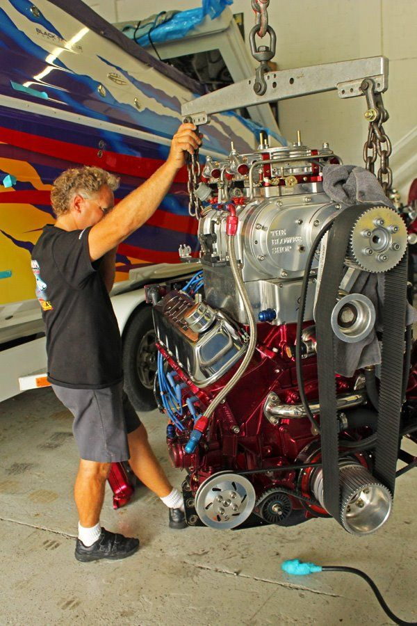 Chief Performance specializes in the fabrication, sales and service of custom innovative engines for Hi-Performance Power boats.