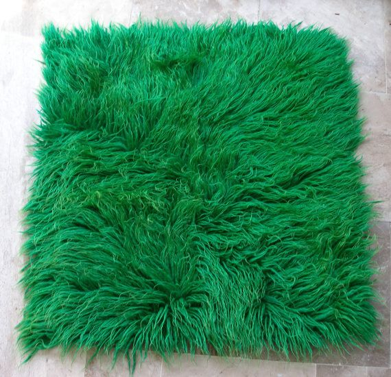 A small rectangle emerald rug!!! Lay it anywhere..... Vintage Green Shaggy Flokati Rug  Small Rectangle by VintageHomeStories,