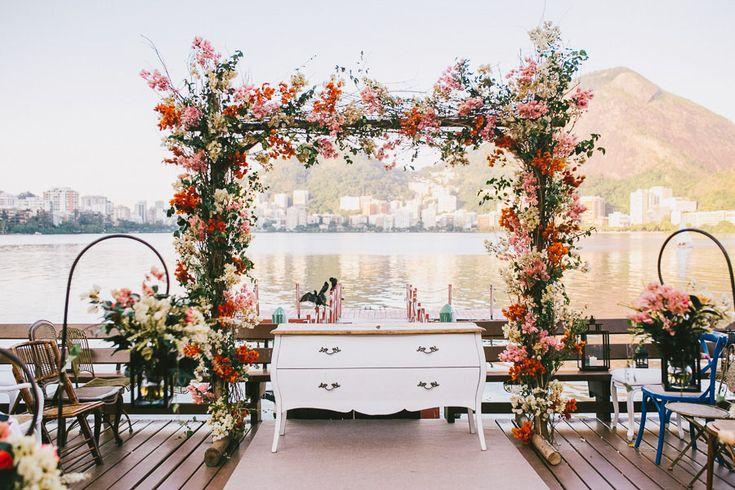 Casamento ao ar livre: como decorar o altar da cerimônia? | As Lembrancinhas de Casamento