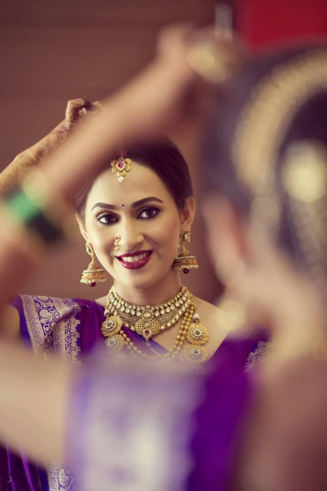 www.amouraffairs.in Indian Bride Lehenga gold border zari zardozi wedding, bridal, bride, lehenga, gorgeous, elaborate, wow, pink, golden details, hairstyle, pretty Makeup Artist- Amisha Salunkhe Brid (Mumbai)  Photo Courtesy- https://www.facebook.com/niveditanandiphotography