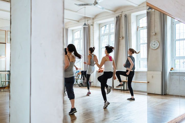 YAS Fitness founder and instructor Kimberly Fowler talks to Glamour about surviving your first time in a new workout environment!  http://glmr.me/1K5Y7FI