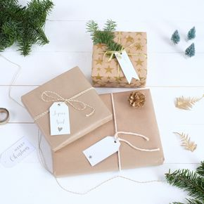 Etiquettes à imprimer (format A4) Noël est le moment idéal pour vous gâter ! Nous avons donc imaginé rien que pour vous de jolies étiquettes pour embellir vos paquets cadeaux.