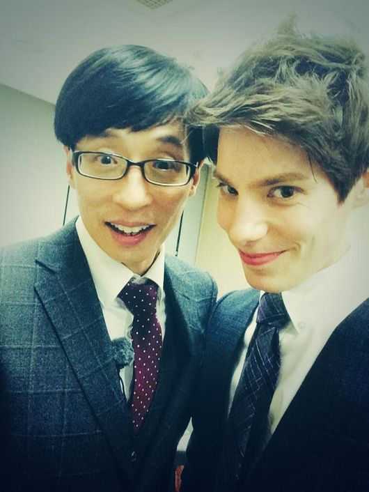 Fabien Meets Yoo Jae Suk, 'Running Man Selfie' http://www.kpopstarz.com/articles/138249/20141119/fabien-meets-yoo-jae-suk-selfie.htm