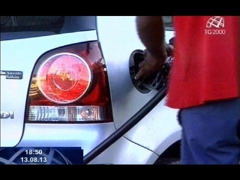 Come evitare le truffe ai distributori di benzina - Guardalo
