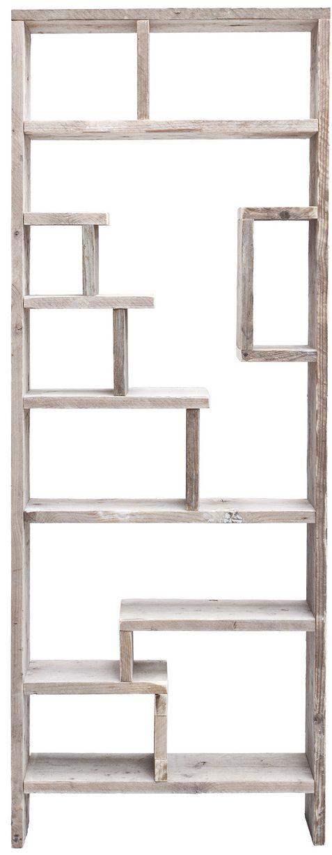 Originele Vakkenkast Freestyle van steigerhout.  Een vakkenkast dieop veel verschillende manierentoepasbaar is. In deze kastkunnen zowel keukengerei, foto's, speelgoed alspersoonlijke schatten worden bewaard.De kast wordt aan de muur gemonteerd. Gemaakt van gebruikt steigerhout wat de kast een mooie grijze gloed geeft.