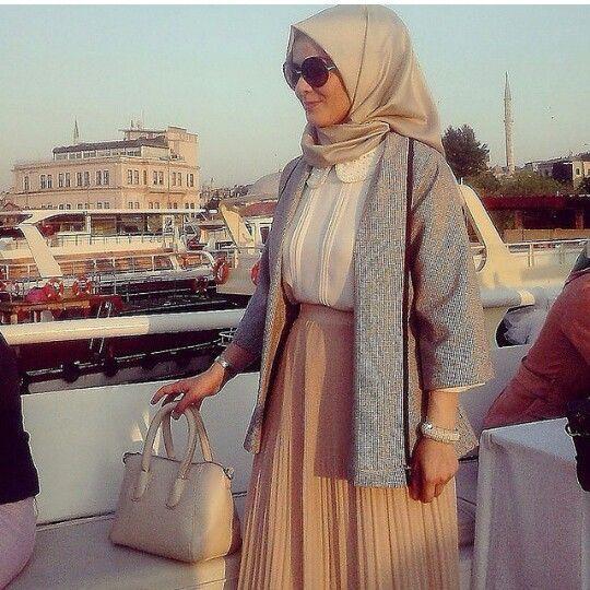 1000 Ideas About Turkish Hijab Style On Pinterest Hijab Styles Beautiful Hijab And Hijab Fashion