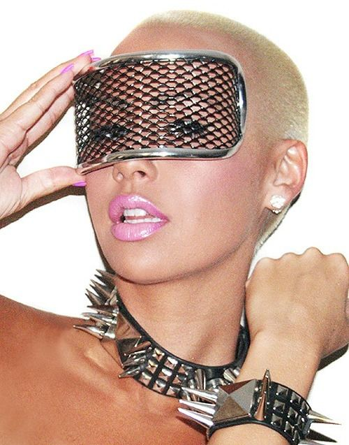 Amber Rose. I just love her Baddie-style!