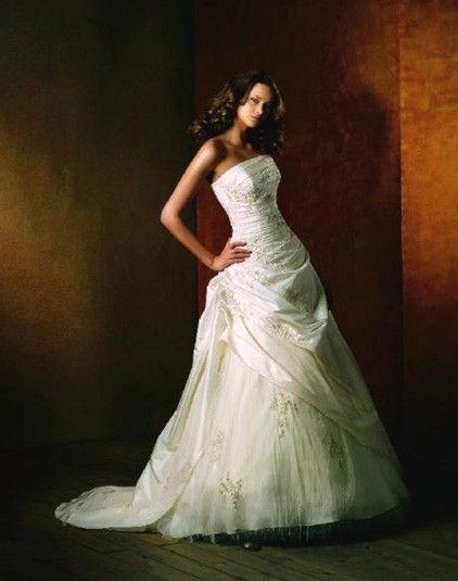 Rahman - Pronovias - Esküvői ruhák - Ananász Szalon - esküvői, menyasszonyi és alkalmi ruhaszalon Budapesten