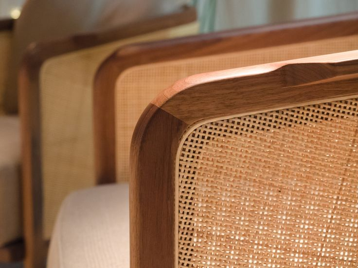 FLEXFORM MONDO #armchair with frame in solid wood and reed, designed by Antonio Citterio. Find out more on www.flexform.it