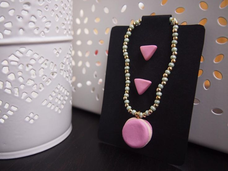 🎀 Rosa baby 🎀 • PER ACQUISTARE CONTATTAMI 📱 Direct 💌 potpourridsgn@gmail.com #️⃣ #potpourridesign #macarons #dolci #orecchini #triangoli #rosa #candy #pink #sweet #regalo #dolci #laduree #colori #gioielli #photooftheday #followme #earrings #cooking...