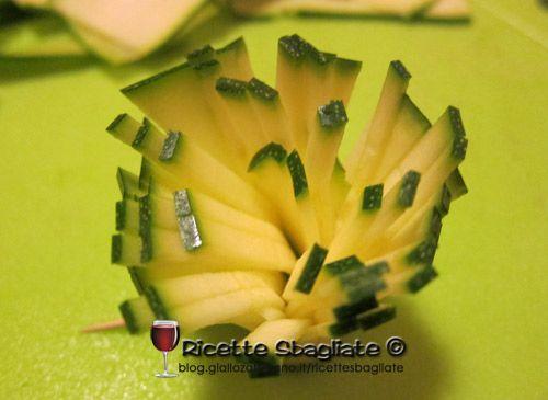 Decorazioni per piatti, il fiorellino di zucchine