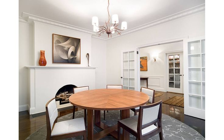 DINING ROOM | A town residence in Melbourne with classic lines and a crisp off-white interior required an injection of bold colours and textures with new furnishings and artworks | Susie Miles Design
