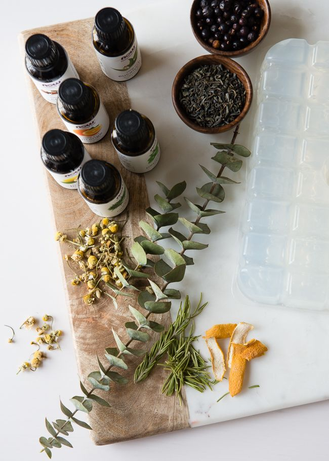 DIY: Herb   Spice Homemade Glycerin Soap for the Holidays | http://hellonatural.co/diy-herb-spice-homemade-glycerin-soap/