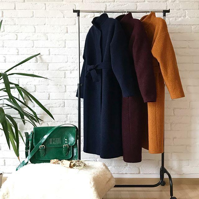 Теплі пальта, утеплені слімтексом (80% вовна, 20% поліестер).  Довжина по спинці - 115 см  Розмір S-M