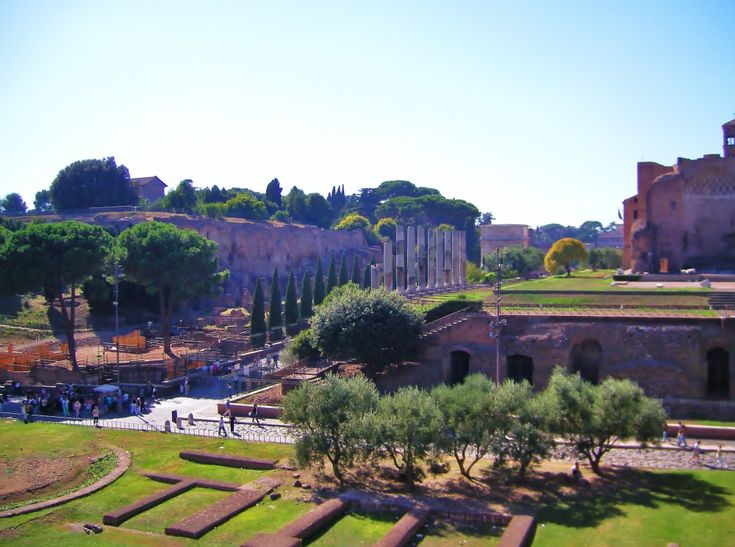 Roman ruins in Italy Europe travel Tips